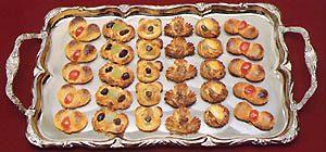 マカロンの1種、ローマジパンを使ったプティ・フール。製作/田村晃氏