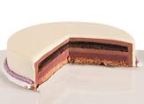 白のグラサージュ ヨーグルトのムース ブラックベリーのジュレ チョコレートとフランボワーズのビスキュイ グラナラチョコレートのムース ジヴァラチョコレートとカシスのムース アーモンドのカリカリした台 (上から順に)